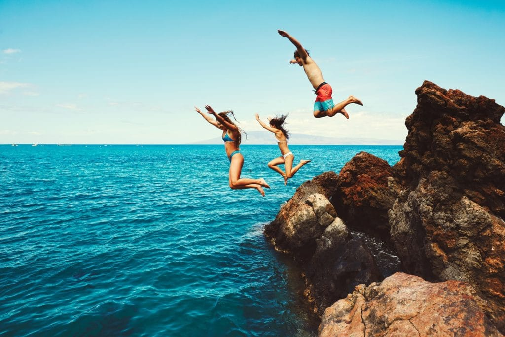 Live life to the limit! People jumping off cliffs!